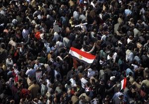 Братья-мусульмане вывели на демонстрацию в Каире 50 тысяч человек