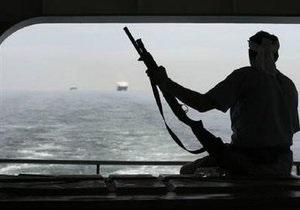 Испанское  судно  отбило атаку пиратов в Индийском океане