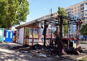В Одессе сгорела троллейбусная остановка