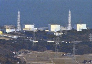 Правительство Японии предлагает охлаждать реакторы Фукусима-1 при помощи вертолетов