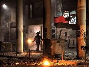 Греческие анархисты забаррикадировались в афинском Политехе