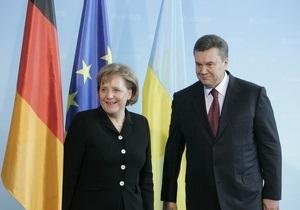 Репортеры без границ просят Меркель пристыдить Януковича