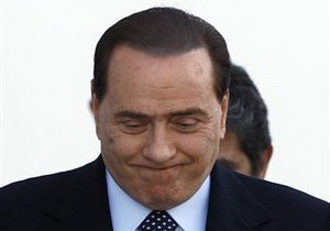 Берлускони выступил против военной операции в Ливии