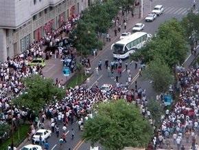 В столкновениях между уйгурами и китайцами на северо-западе КНР погибли около 130 человек