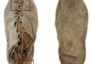 Ученые установили возраст самого древнего в мире ботинка