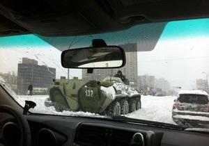 Янукович требует бросить все ресурсы на борьбу с последствиями стихии