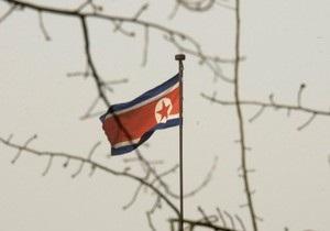 СМИ: в КНДР во время траура по Ким Чен Иру пользование мобильным телефоном приравнивается к военному преступлению