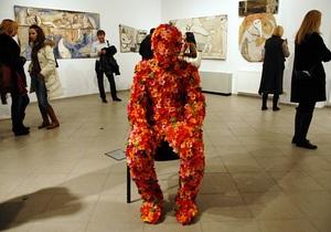 Фотогалерея: Человек-цветок. Выставка-просвещение от украинских художников