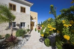 Инвестиции в недвижимость Кипра - залог финансовой стабильности