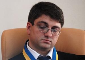 Власенко: Кто-то заставляет Киреева рассматривать дело Тимошенко ежедневно