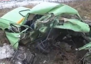 СМИ: В Запорожской области пьяный милиционер на Lexus врезался в машину с беременной женщиной