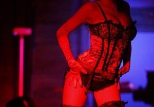 В Ночном клубе Лас-Вегаса стриптизерш заменили голограммами