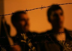В Киеве сотрудники СТО избили темнокожего клиента