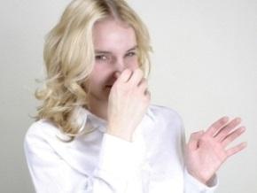 Женщины лучше распознают запах пота