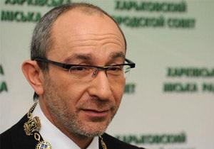 Свобода требует возбудить дело против Кернеса за допуск российских военных на парад 9 мая