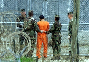 Узники Гуантанамо устроили забастовку
