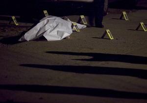 В Чили самоубийца, выпрыгнувшая с 12-го этажа, упала на прохожую