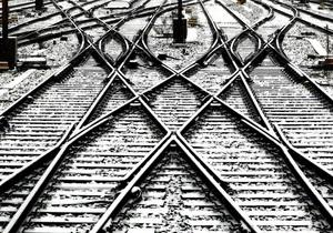 Более 25 тысяч человек блокированы в поездах в горах в Индии