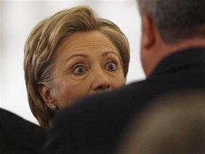 Хиллари Клинтон не может стать госсекретарем из-за конституции США