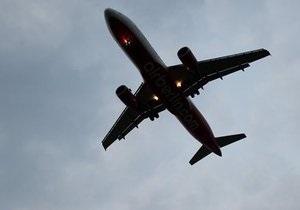 На вылетевшем из России в Египет Boeing 737 разгерметизировался корпус