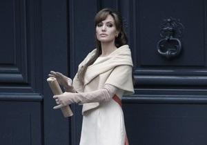 Названа точная дата выхода совместного фильма Анджелины Джоли и Джонни Деппа