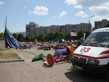 Фотогалерея: Надувательские развлечения. Авария на аттракционе в Киеве