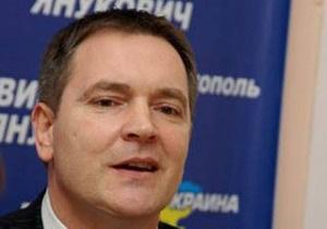 Регионалы придумали, как лишить Бандеру и Шухевича званий Героя Украины
