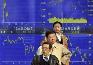Акции в Азии подешевели из-за кризиса в Японии