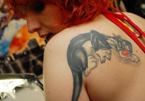 В Испании резко возрос спрос на удаление татуировок