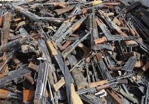 МВД - оружие - милиция - 200 единиц в день: сотрудники МВД изумлены количеством сданного оружия