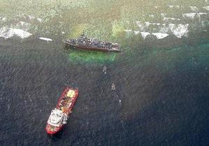 Тральщик США сел на мель на Филиппинах