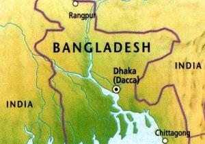В Бангладеш два пассажирских автобуса столкнулись на шоссе: погибло 20 человек