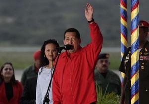 Уго Чавес вернулся в Венесуэлу после курса химиотерапии