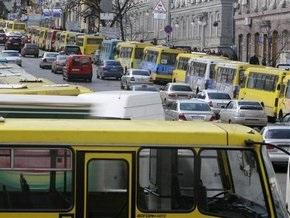 АМКУ заподозрил столичных маршруточников в заговоре