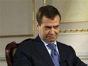 Медведев: Оппозиции в России никто рот не закрывает