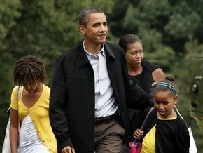 Обама продлил отпуск до конца недели