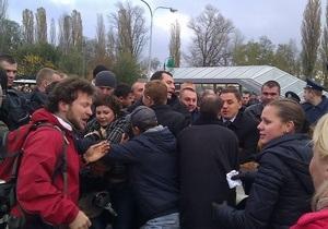 Инцидент возле Ипподрома: регионал отрицает, что его представители напали на киевлян