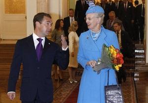 Медведев провел встречу с королевой Дании