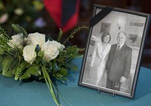 Названа новая дата похорон Леха Качиньского и его супруги