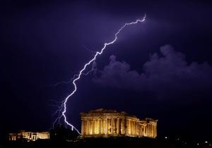 Во втором квартале экономика Греции сократилась почти на 7%