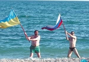 Опрос: Отношение россиян к Украине улучшается, а украинцев к России - ухудшается