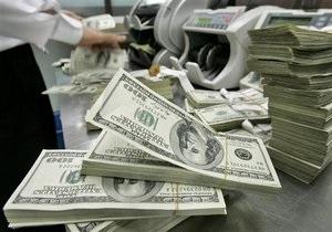 Доллар и евро на межбанке незначительно снижаются