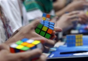 Новости Австралии - рекорды: Житель Австралии собрал кубик Рубика за восемь секунд