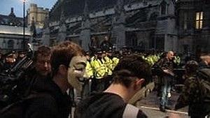 В Лондоне демонстранты митинговали перед парламентом