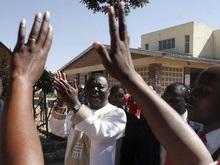 Лидер оппозиции Зимбабве задержан полицией во время предвыборной поездки