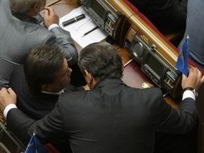Янукович отбыл в Раду, чтобы проголосовать