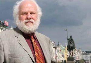 Умер известный писатель и журналист Петр Вайль