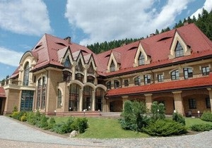 За деньги, выделенные на ликвидацию последствий стихии, построили сауну в резиденции президента