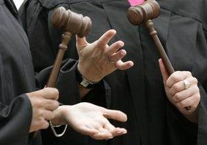Глава Шевченковского суда требует уволить судью, выпустившего подозреваемого в педофилии ректора