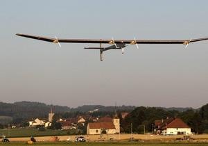 Самолет на солнечных батареях вылетел в свой первый международный рейс